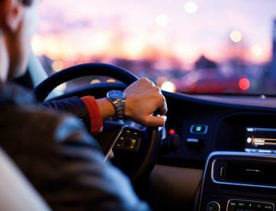 Devenir chauffeur privé pour un particulier.